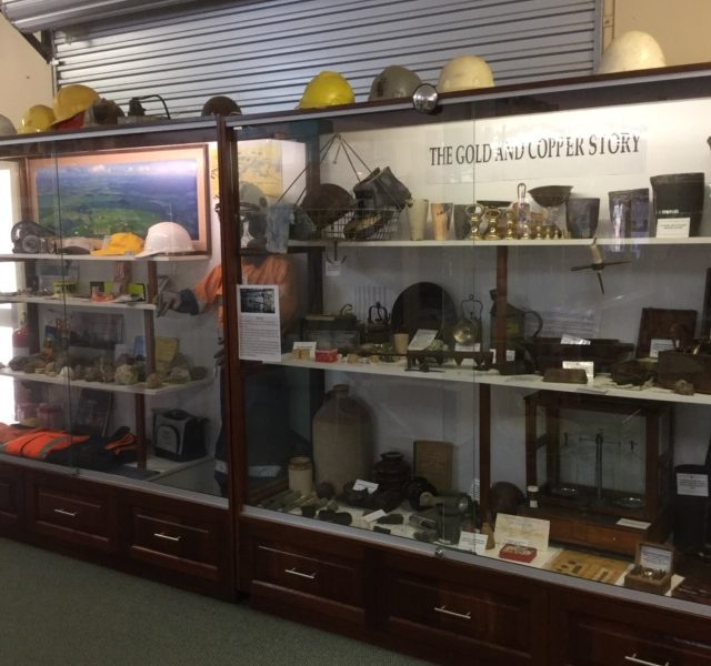 ravensthorpe dance cottage mining display