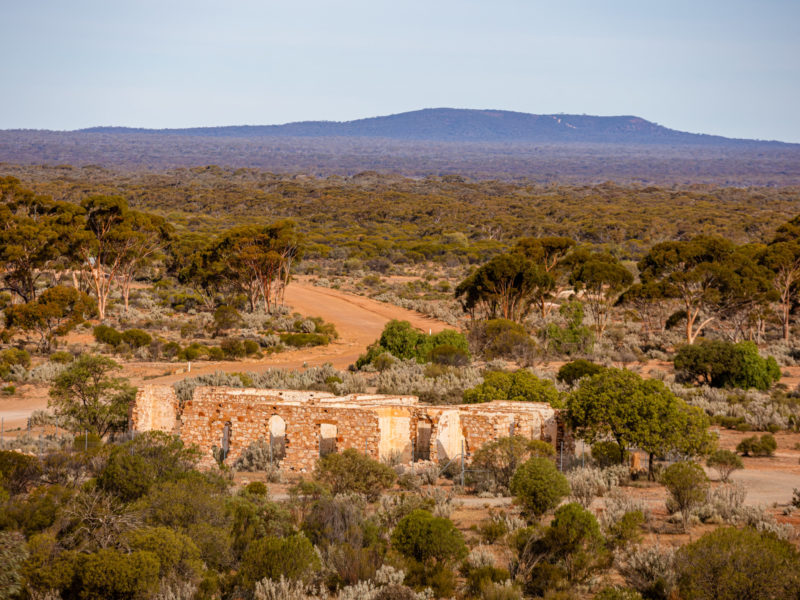 Outback Pubs and Ghost Town - Big Sky Red Earth Adventure Tour